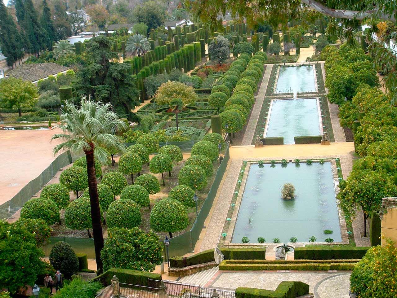 Alc zar de los reyes cristianos virtimeplace - Jardines verticales sevilla ...