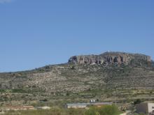 Macizo rocoso donde se asienta el yacimiento